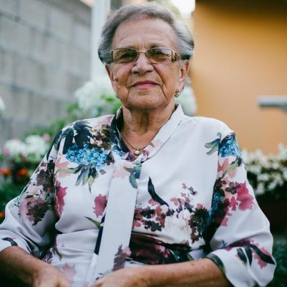 Seniorin zu Hause
